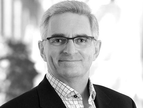 Photo du Docteur André Chamberland, spécialiste en chirurgie buccale & maxillo-faciale pour la clinique de Maxillo Québec.