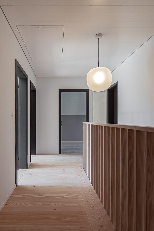 Holzboden und Treppe