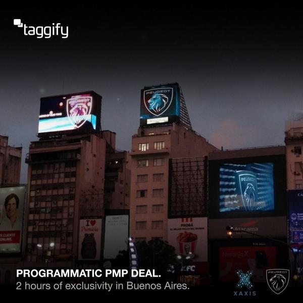Peugeot hizo un acuerdo de exclusividad en las pantallas del Obelisco para revelar su nueva marca