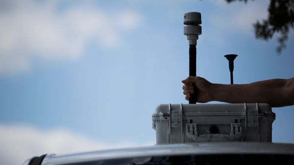 The City of Houston mounted air monitors on municipal vehicles to test drive new ways to collect data. Photo: Marie De Jesus.