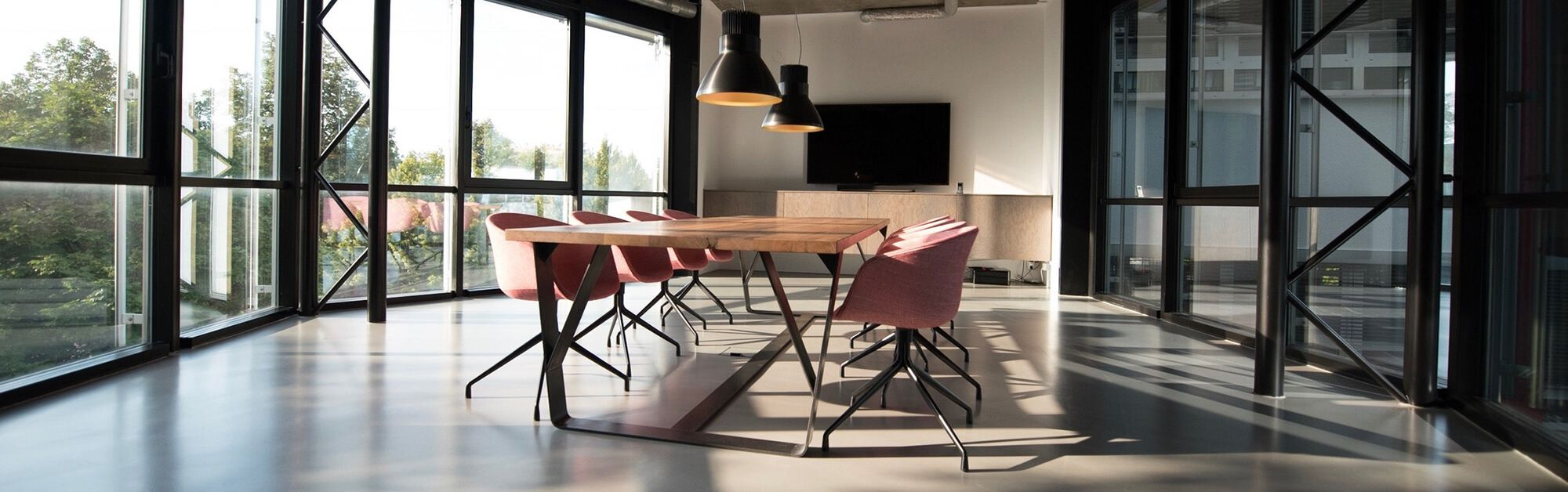 Tips for de-cluttering your office