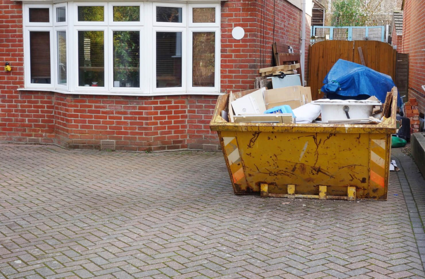 Builder's skip driveway