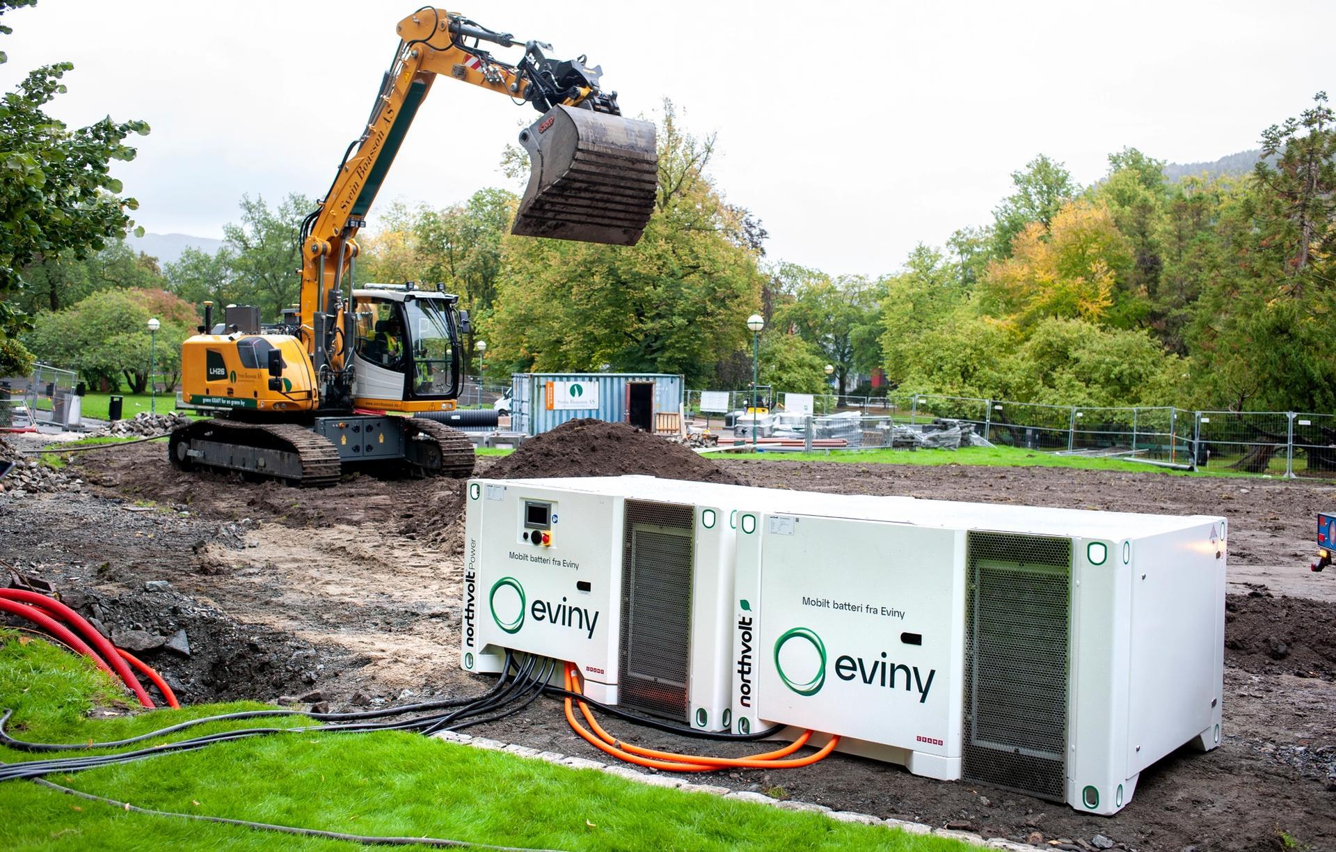 Den første testen ble nylig gjennomført med en kablet elektrisk gravemaskin i Nygårdsparken i Bergen. Fremover vil BKK teste det nye batterisystemet hos kunder med ulike behov.