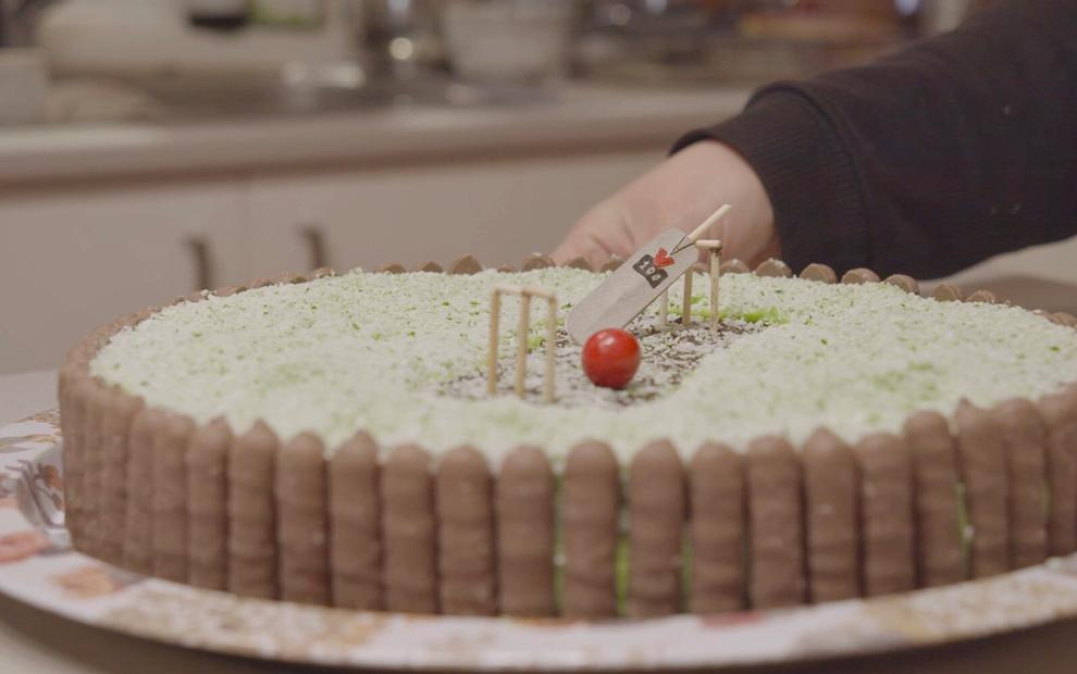 Solo Residency: Thea and Bonnie bake a Women's Weekly cricket cake