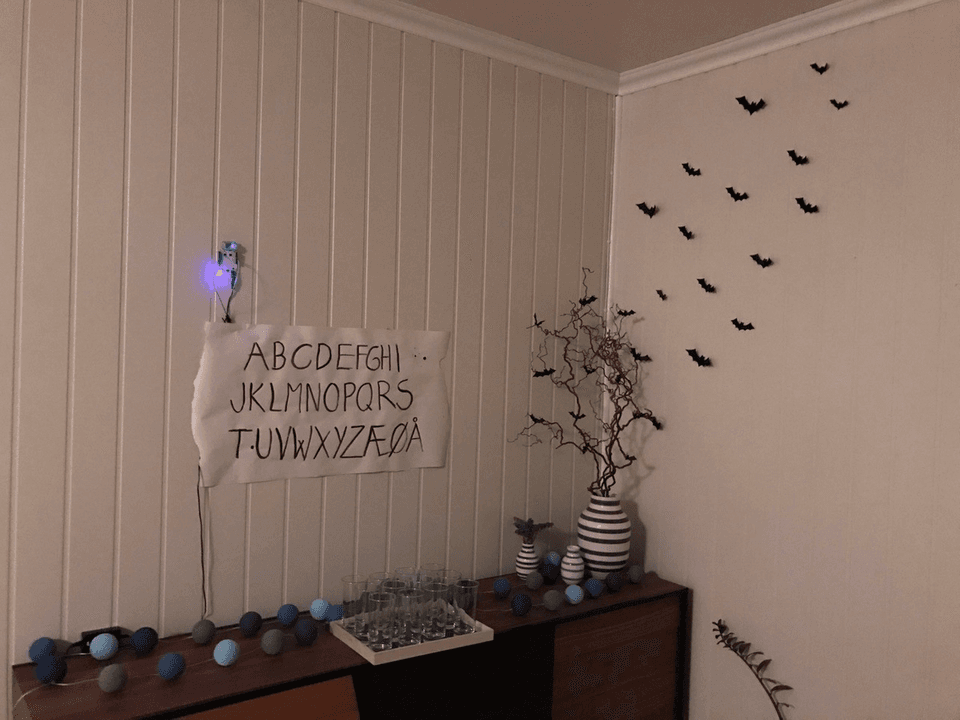 Making a Stranger Things lights decoration