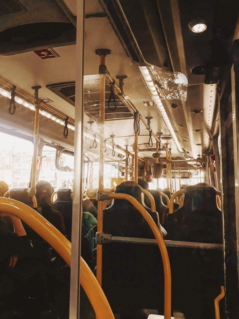 Incipit La Rose dans le bus jaune Eugène Ébodé