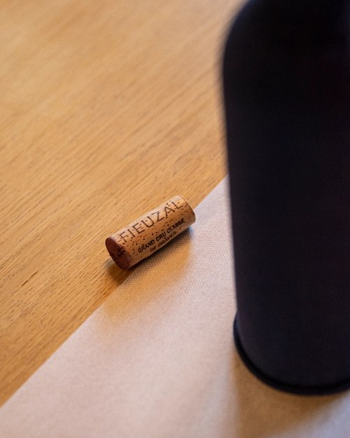 Fieuzal cork wine tasting