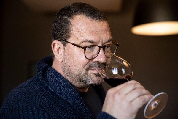 Stephen Carrier wine tasting