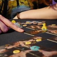 """Madzia: <gra żółtymi> Także Madzia: """"Czy skoro na planszy jest tak dużo żółtych żetonów to znaczy, że wygrywam?"""" ...  *Żółte..."""