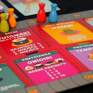 Karty i pionki. (Sushi Go Party!)