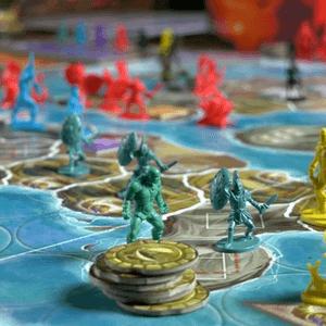 Figurki tytanów i oddziałów na planszy (Cyklady: Tytani)