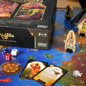 Zbiór elementów gry (m.in. pudełko, plansza, karty, kostki) (Tales of the Arabian Nights)