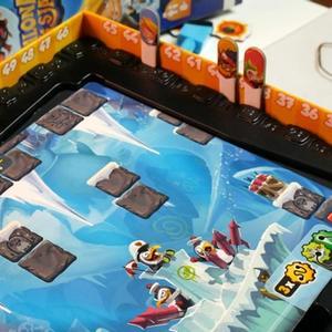 Plansza, pudełko i elementy gry (Szalona Misja)