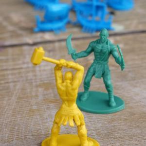 Figurki tytanów (Cyklady: Tytani)