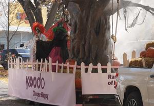 Koodo Halloween float
