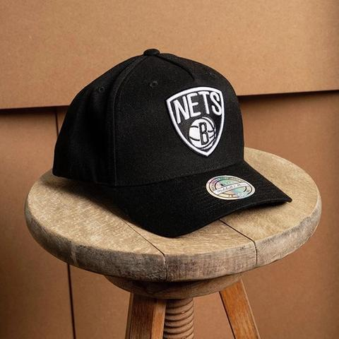 Our famous 110 style snapback is designe...  All Flex 110 snapbacks feature a Flexfit inner sweatband and an adjustable snap closure to give you the ideal fit every time.  They also just look great 🧢 . . . . #NBA #brooklynnets #snapback #felx110 #5panel #mitchellandnes