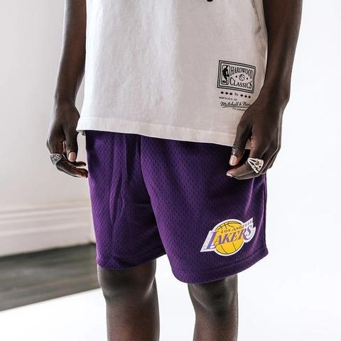 Vibes wherever you take them - on and of... . . . . #lakeshow #lakersnation #lakers #LAlakers #losangeles #losangeleslakers #NBA #mitchellandness #17 #hardwoodclassics