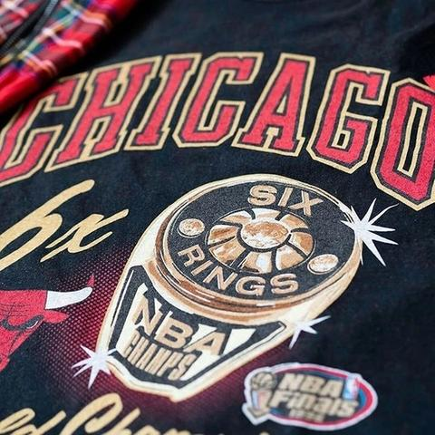 Bling on your shirt, bling on the finger...  6 Rings baby. . . . . #chicagobulls #chicago #NBA #champions #bulls #mitchellandness #sixrings