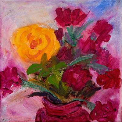 Rosa amarilla y rosas rojas
