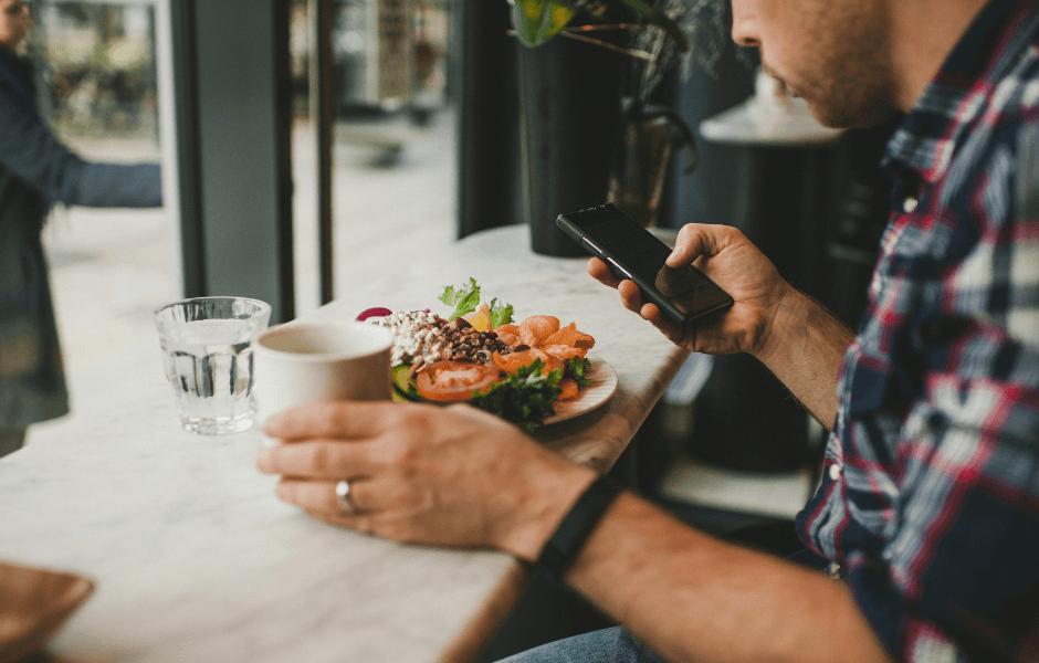 Online ordering at restaurants