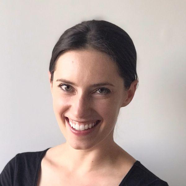 Smiling woman | Caci Massaro | Proper Lead Strategy & Ops