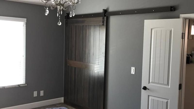 SLIDING BARN DOORS
