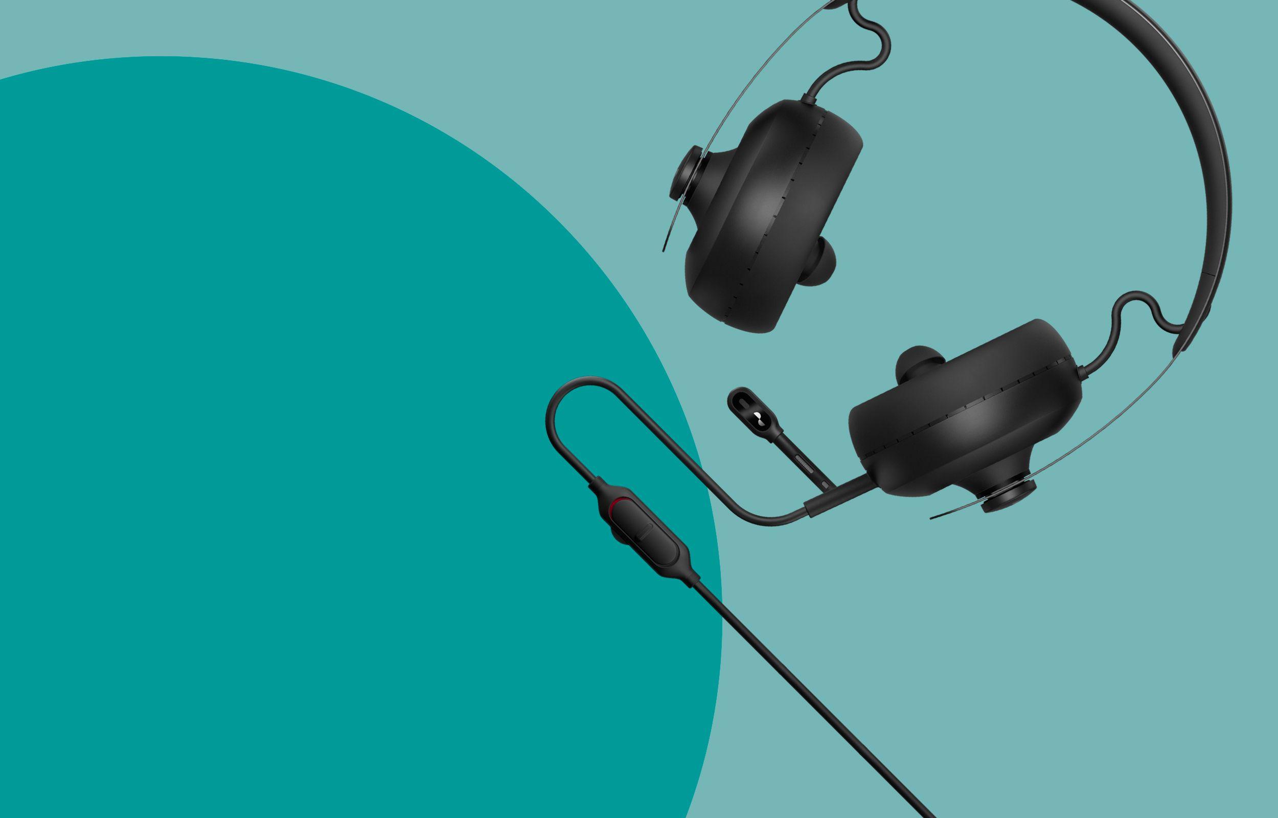 NURAPHONE headphone and NURAPHONE gaming microphone