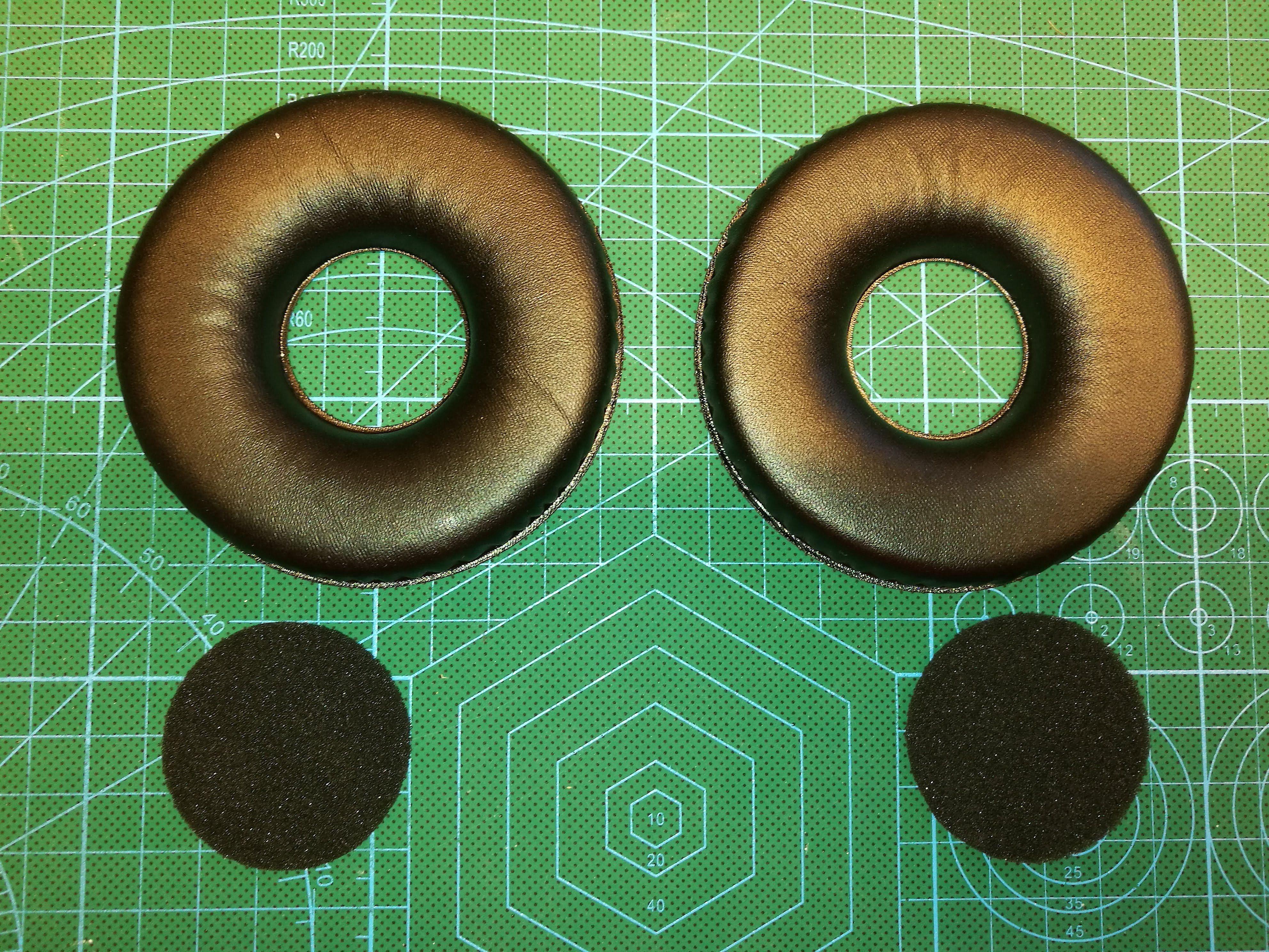 2 stk puter og 2 stk filter (skumgummi)