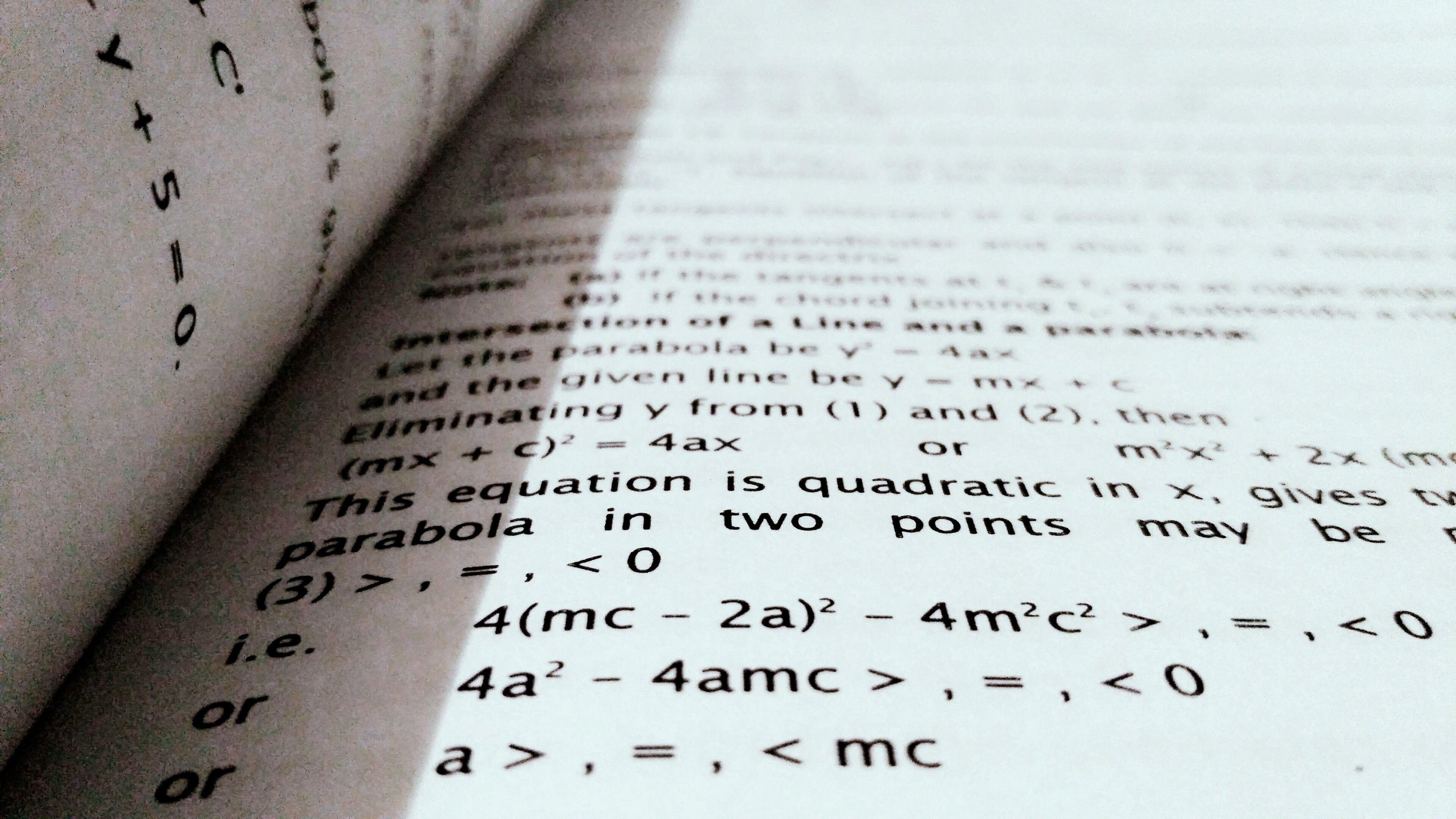 Bilde av en bok med formler