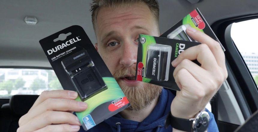 Bilde av meg som holder opp batterier