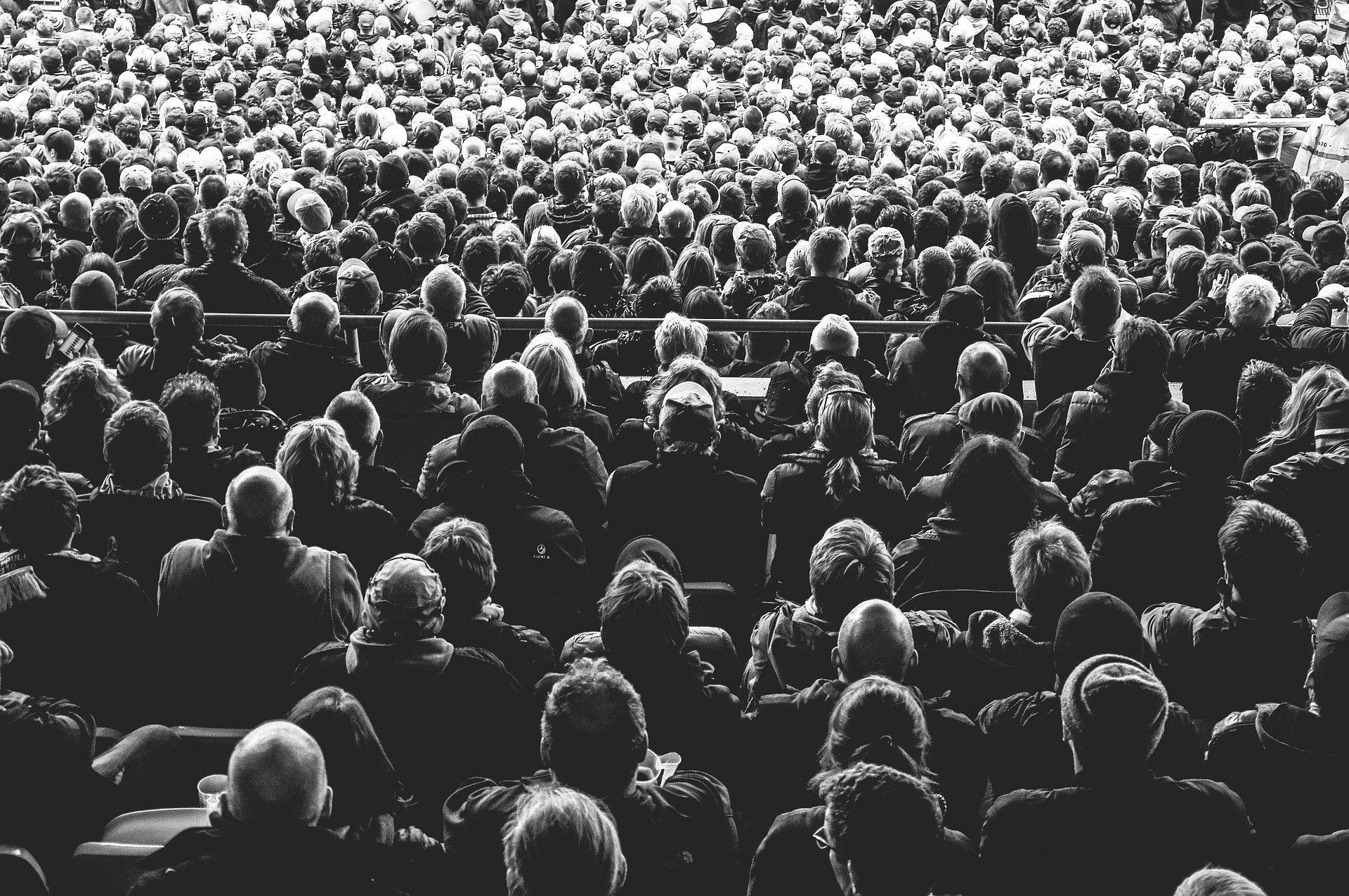 Bilde av en stor folkemengde