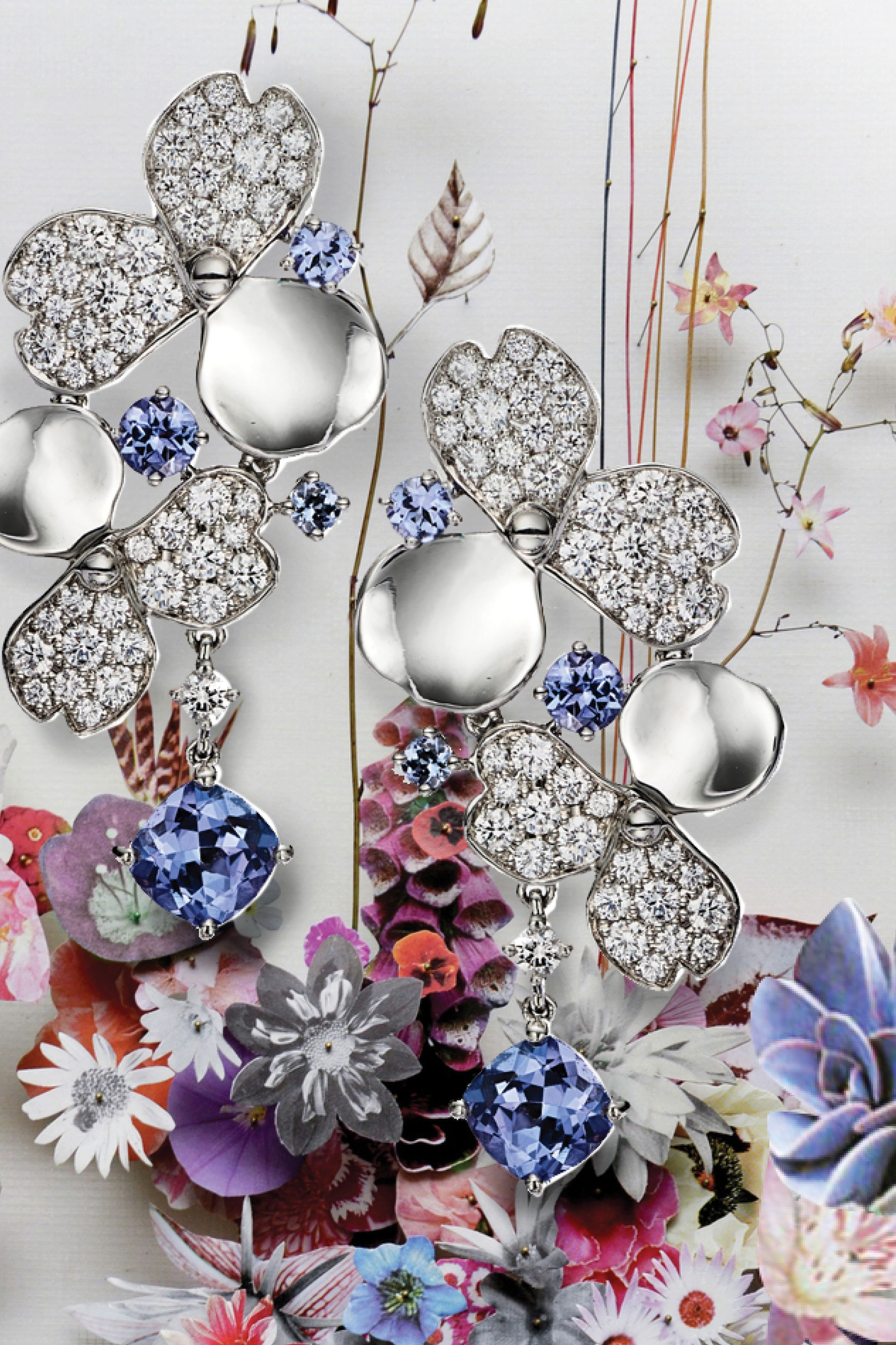 This is Tiffany flower and jewelry collage detail