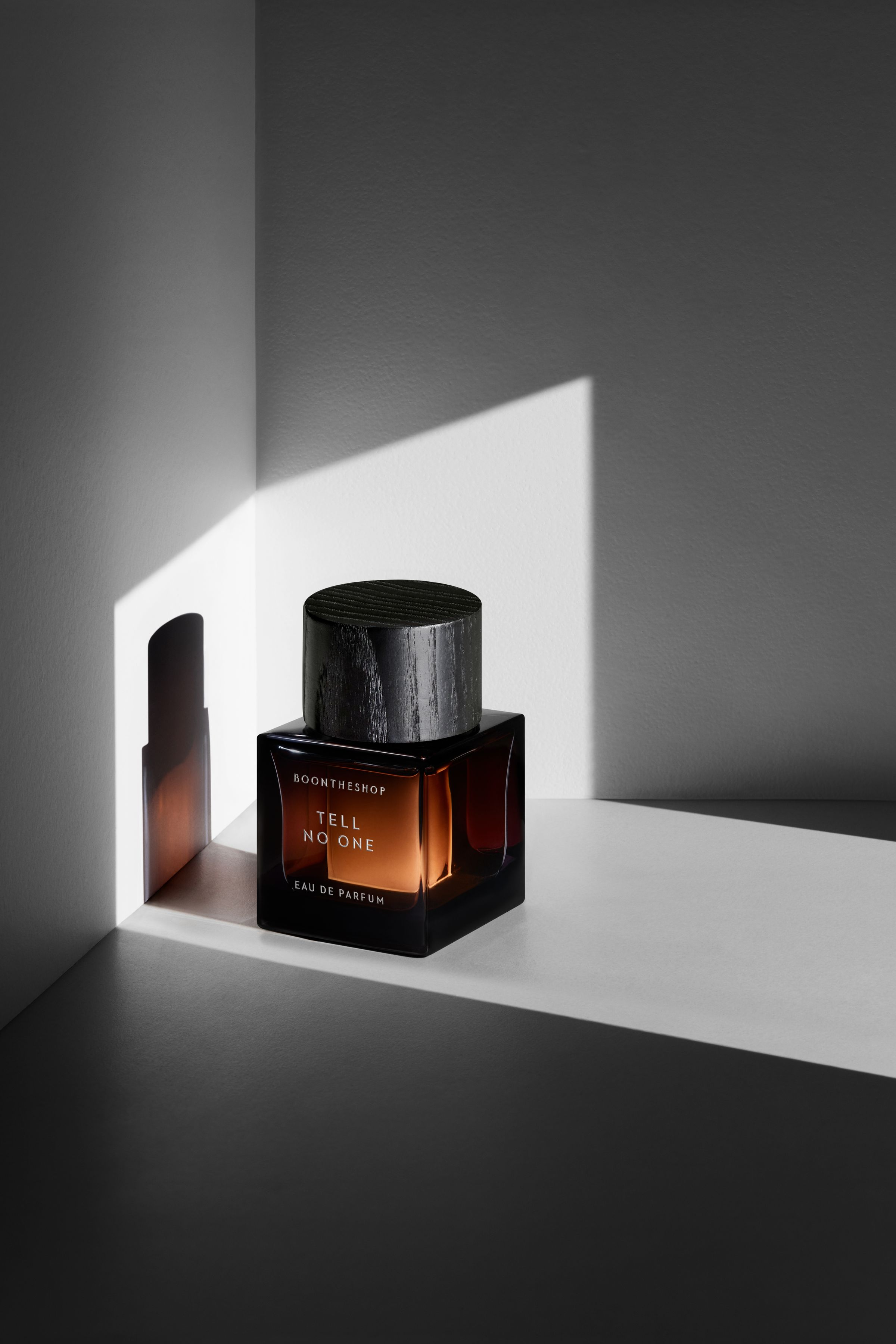 BOONTHESHOP fragrance campaign