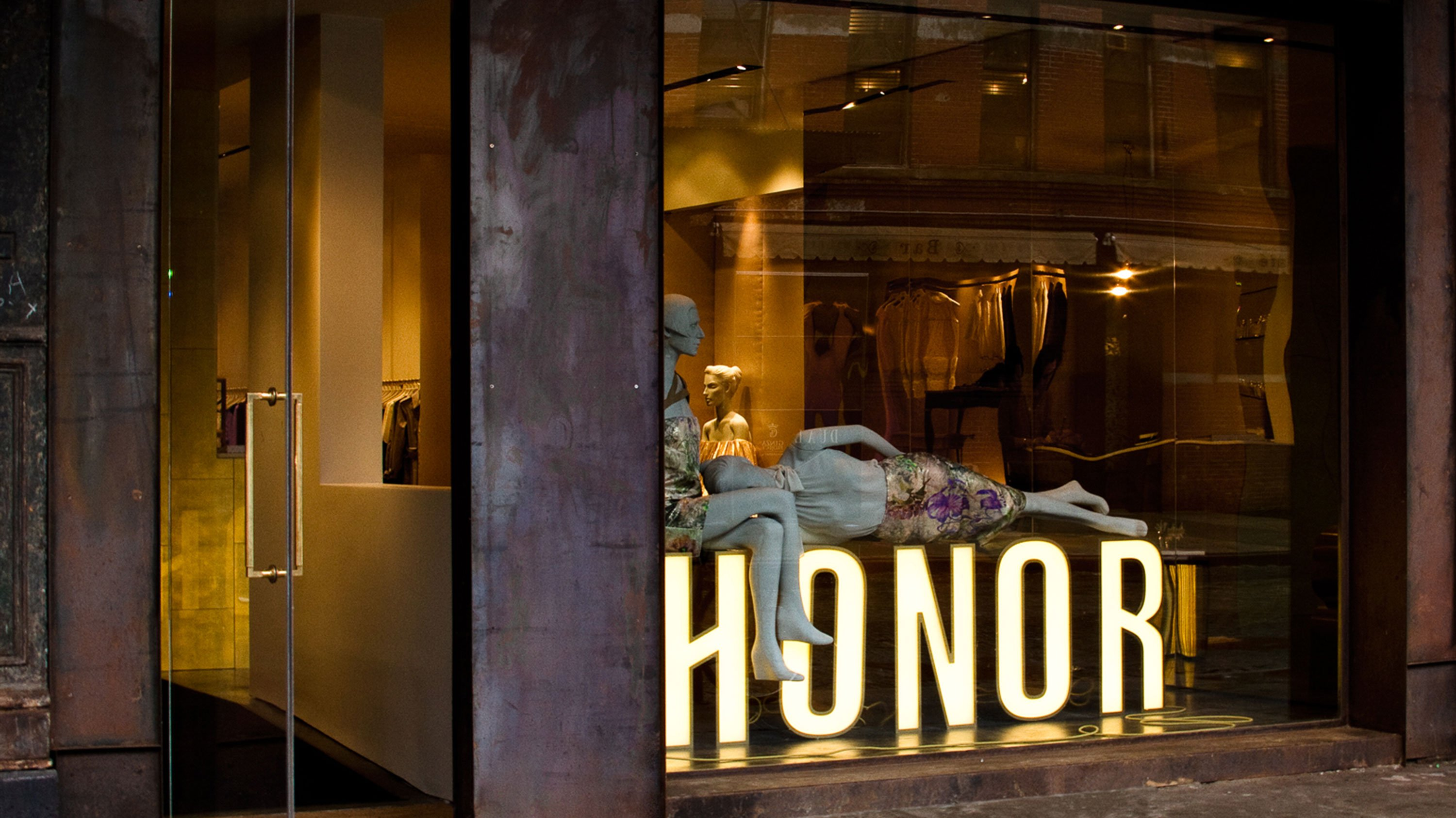 Honor storefront featuring logo designed by RoAndCo