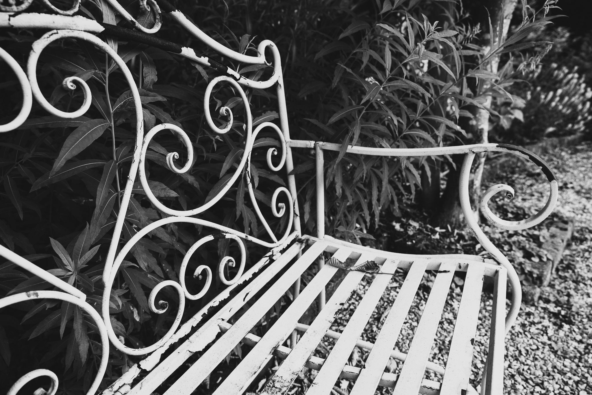 Wrought iron Garden bench (Black and white)