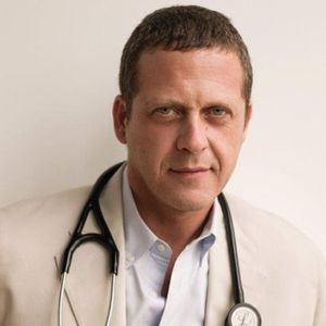 Dr Alejandro Junger Photo