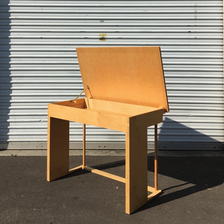 Desk product image 3