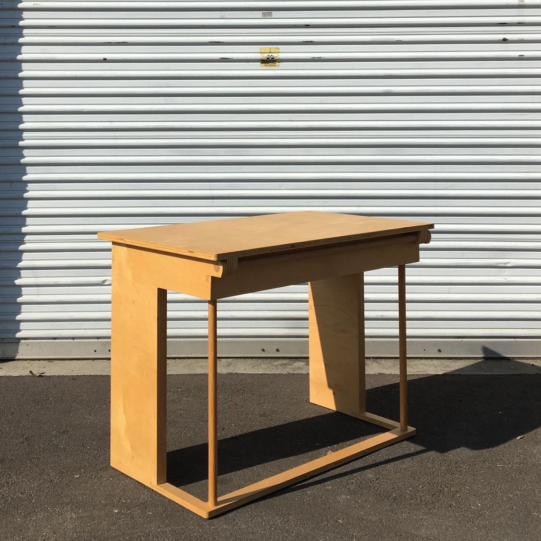 Desk product image 2