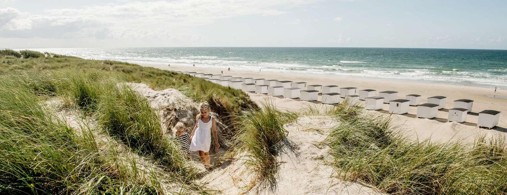 Barn på stranda i Danmark