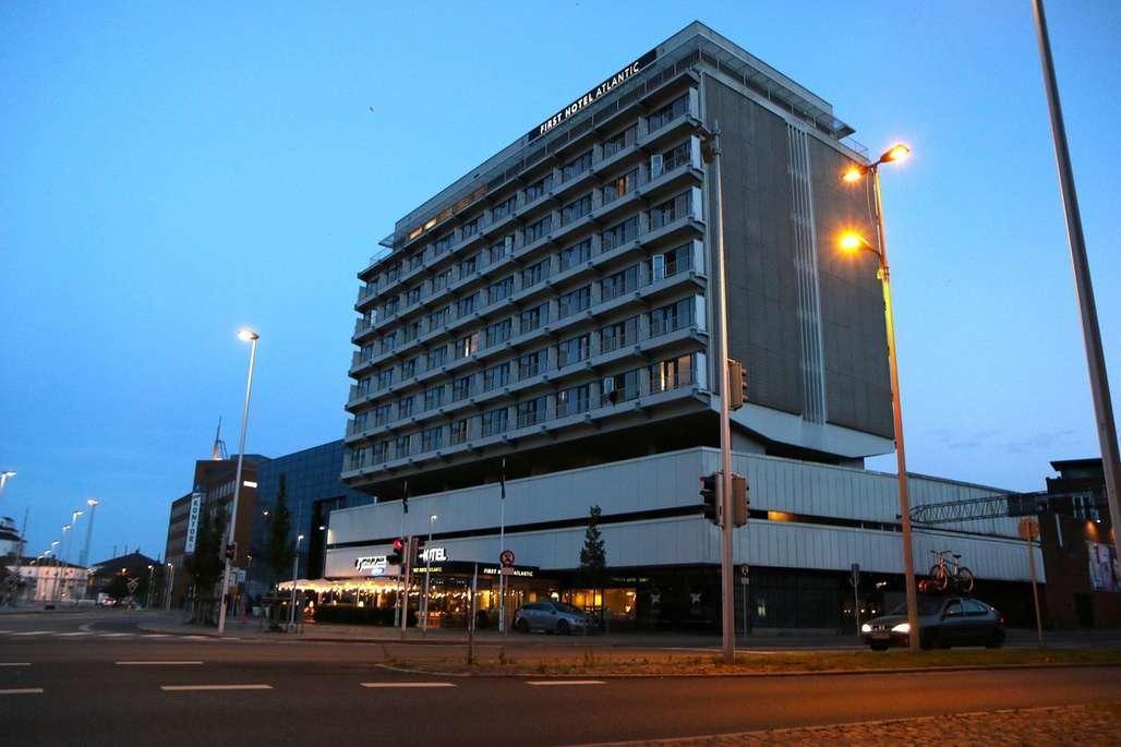 First Hotel Atlantic i Aarhus har en spesiell historie. I dag fremstår huset som et flott og moderne hotell beliggende meget sentralt i Danmarks nest største by. Foto: Fjord Line