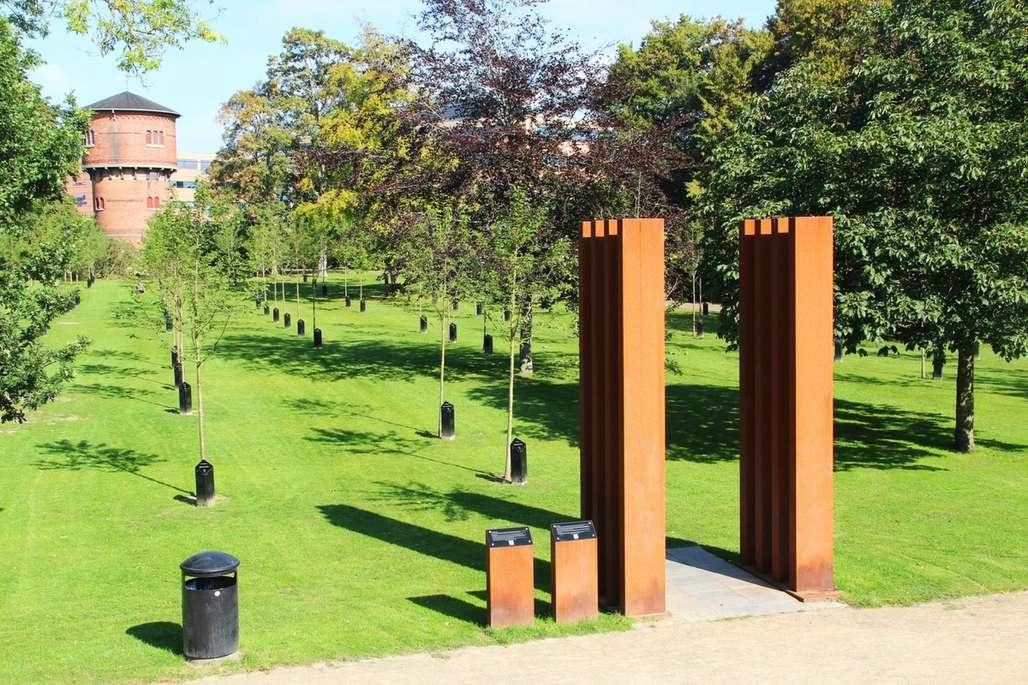 Kildeparken i Aalborg med de syngende trær