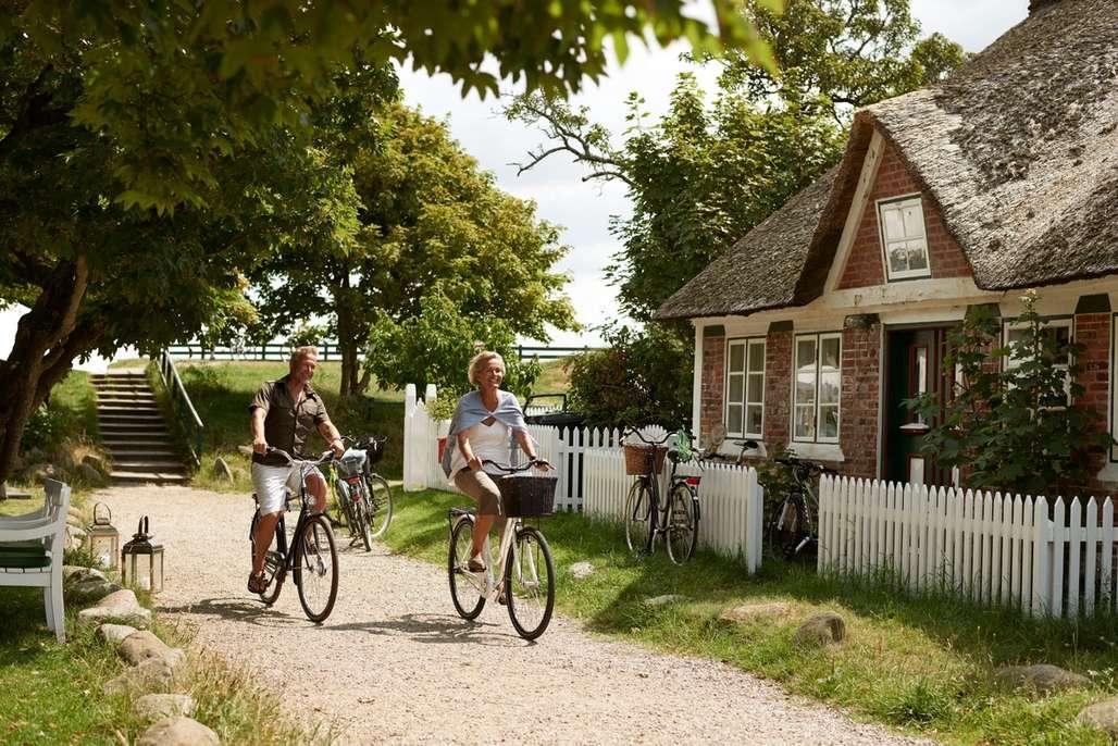 Par på sykkeltur i Danmark