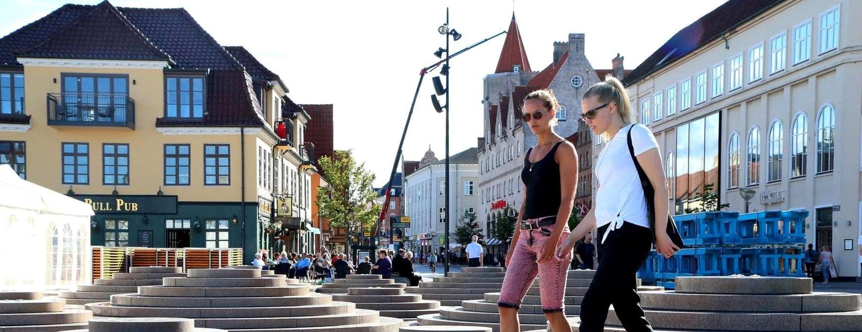 Venninner på gåtur i Aalborg