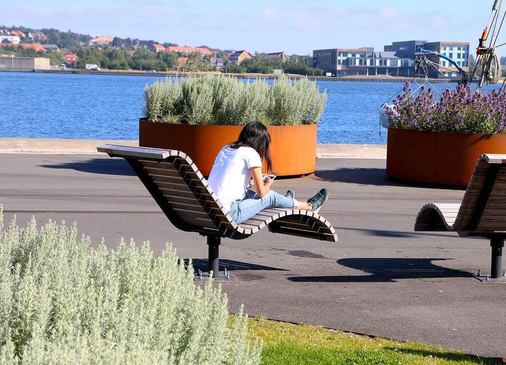 Nydelig beliggenhet: Aalborg ligger meget vakkert til kloss inntil en arm av Limfjorden. Foto: Fjord Line