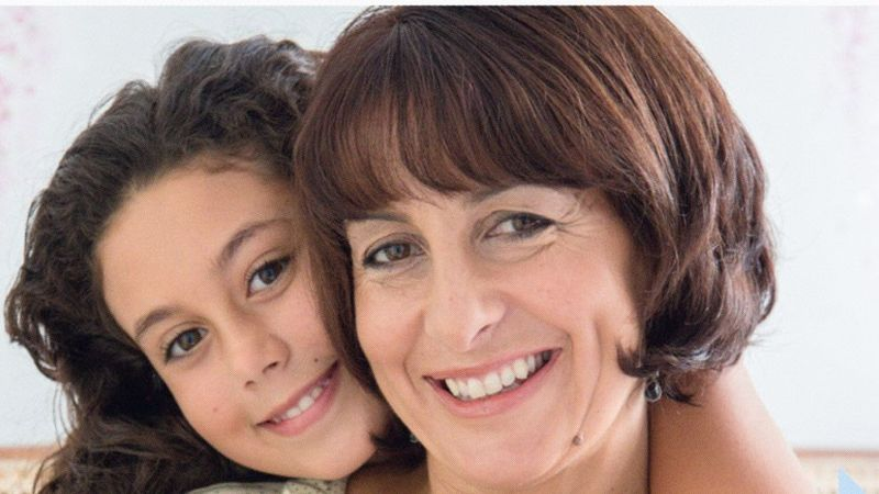 Dove self esteem project picture of mother and daughter