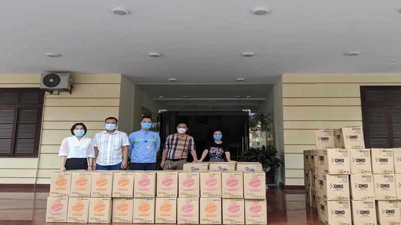 Unilever trao các sản phẩm chống dịch hỗ trợ TP. HCM