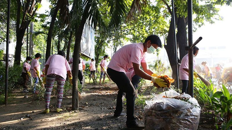 cleaning-up city of manila
