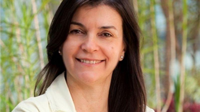 A photo of Suelli Cagliari, a woman working in science at Unilever