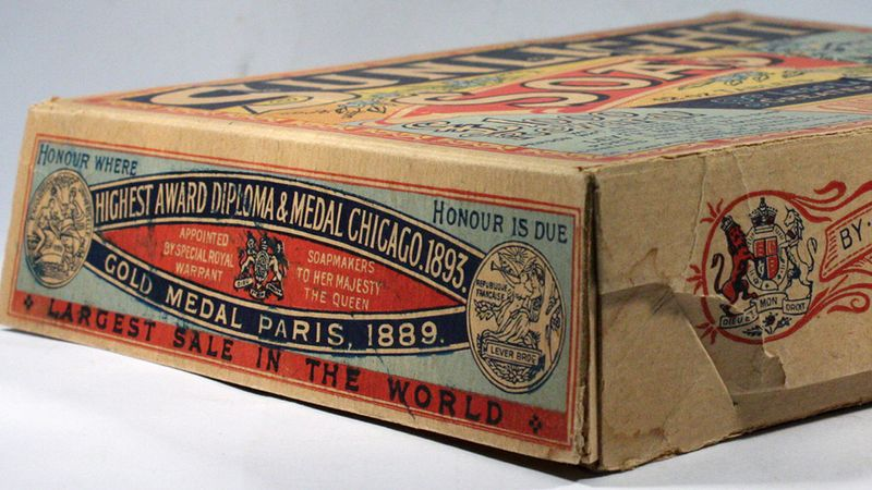 Sunlight soap packaging from 1990. The soap was packaged in a red and blue cardboard box.