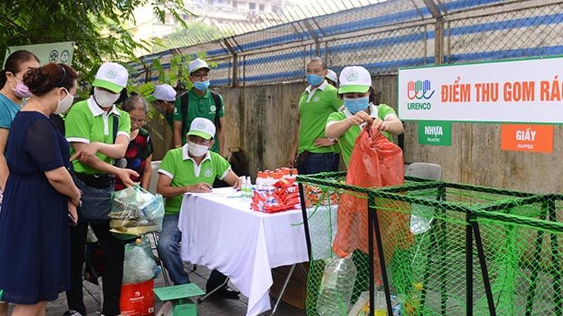 Unilever phân loại và thu gom rác thải